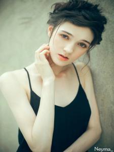 【清瘦女孩】清瘦动漫裙子_Q友网美女图库女孩图片掀美女图片